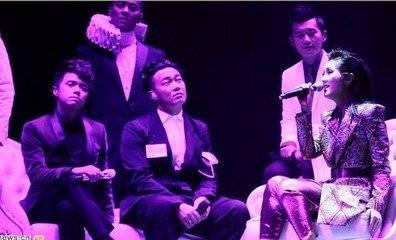 在香港最火的内地歌手张敬轩和好友合照谢霆锋杨千嬅陈奕迅胡彦斌