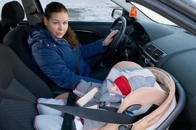 有宝宝的父母如何安全驾驶?必须使用儿童安全座椅