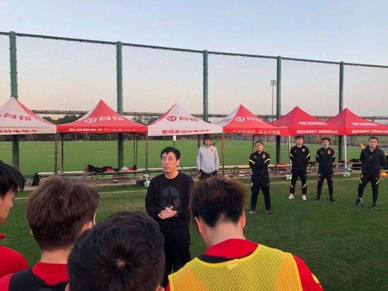 国家足球训练局李铁招募6名入籍球员李克姜光泰重返球队并遇到问题ipk