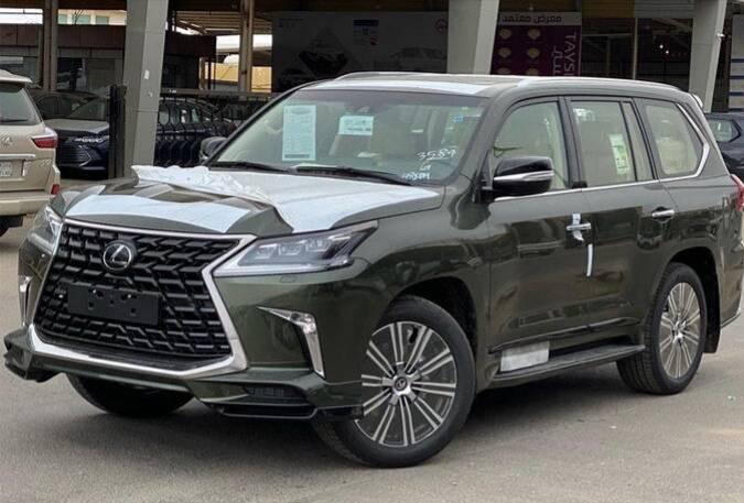 """原雷克萨斯SUV中的""""老大哥"""",新LX气田不输宝马X7,动力堪比奔驰g。"""