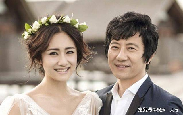 郑钧晒出自己的豪宅,房子四周都种满了鲜花,是给刘芸的小浪漫吗
