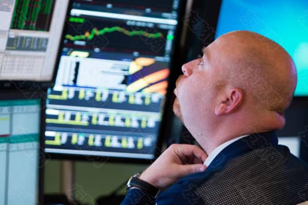 长期看空市场的大卫·罗森伯格警告说,股票和比特币是巨大的泡沫