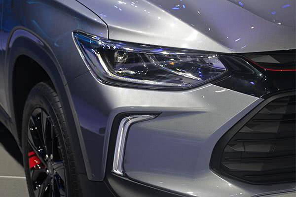 """号称""""最帅""""的原厂SUV从9.99万降到7.99万,丰田的压力翻倍"""