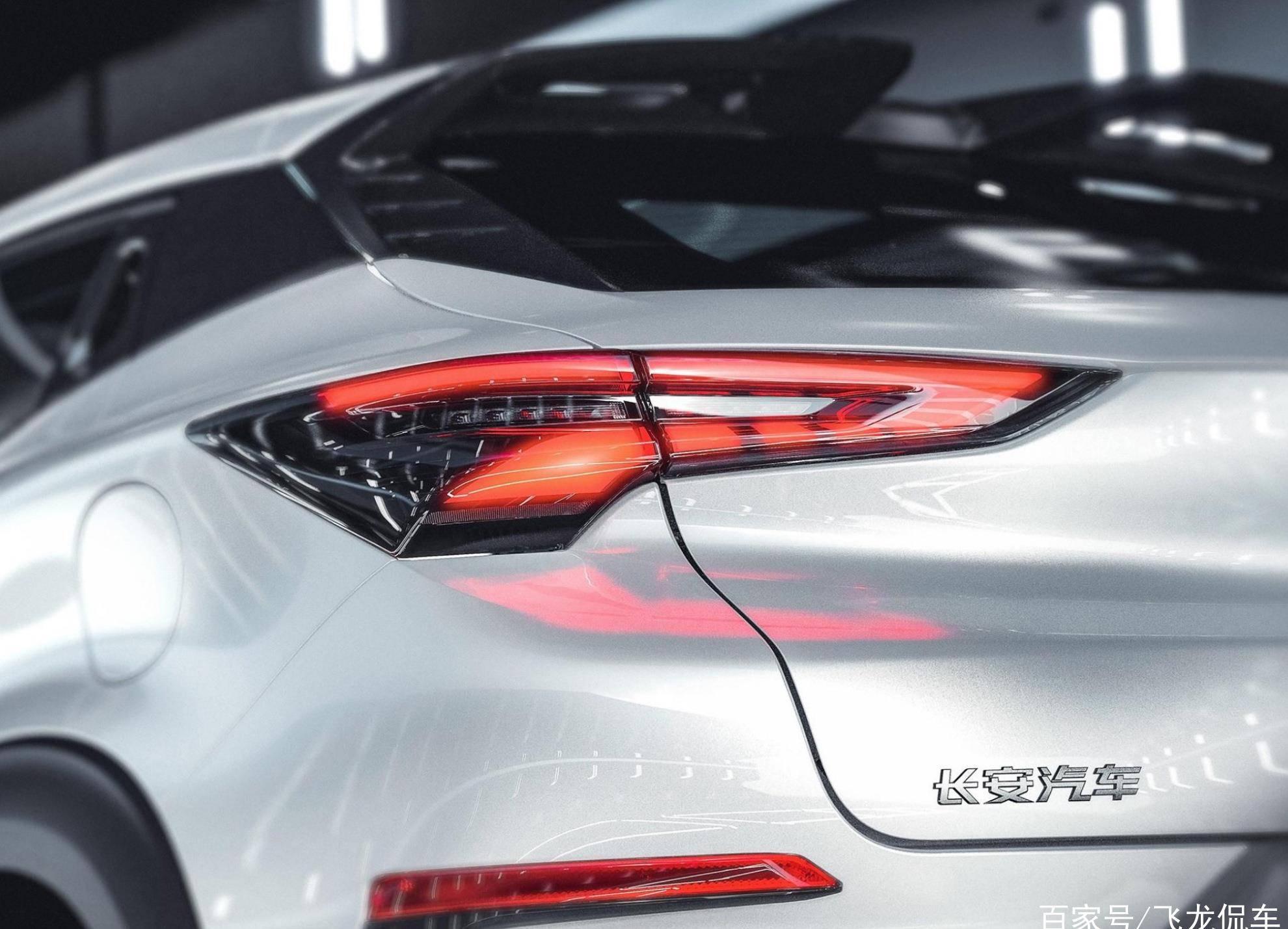 原长安汽车新门面,发动机热效率堪比丰田,率先搭载国产AI芯片,火了