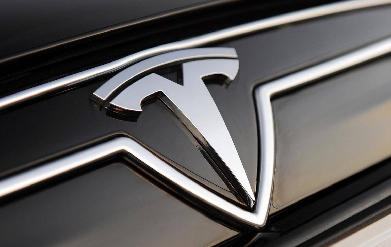 原厂特斯拉做了两大动作,对电动车同行伤害太大,对汽油车极度侮辱
