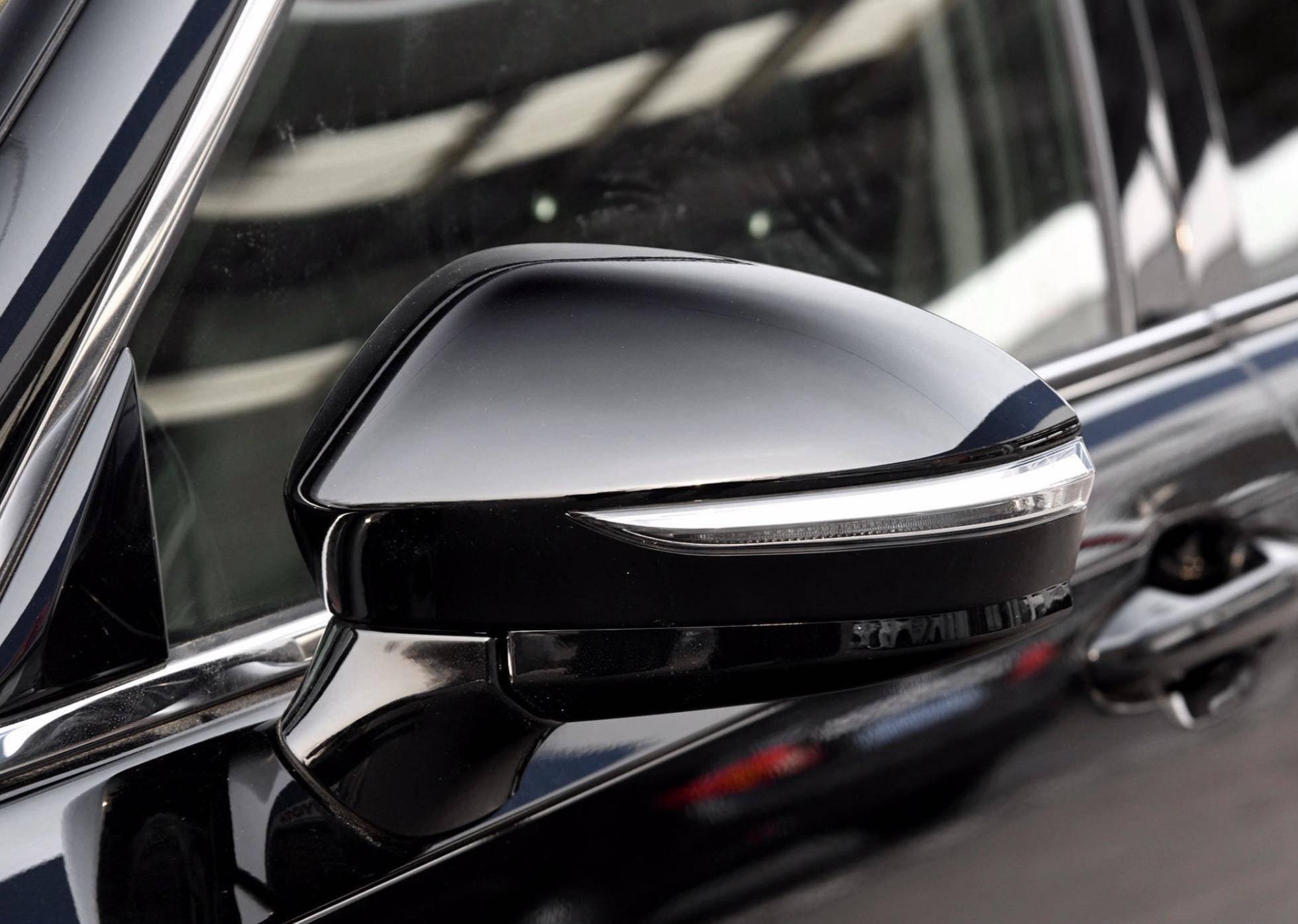 原来被忽视的丰田豪车,长度5米多,2.0T四缸8AT,油耗7L,25万