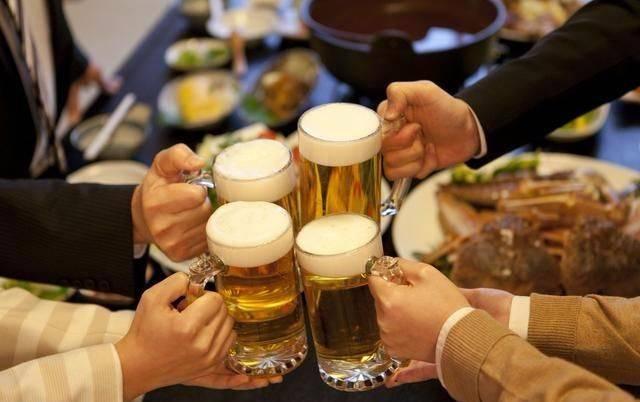 狐狸医生|喝酒能御寒?脸红的人可以多喝点?请看酒精的自我报告
