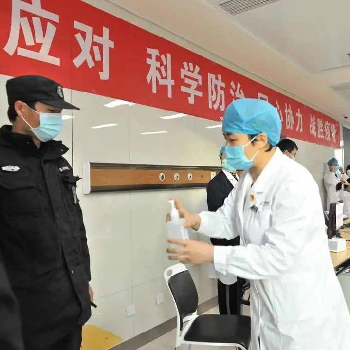 新征程,广医人再出发——元旦首日我院执行新冠肺炎疫苗接种任务  第9张