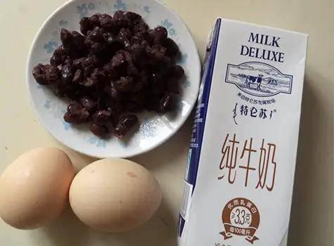 双皮奶——奶味浓,蛋味够,冷藏后更过瘾!