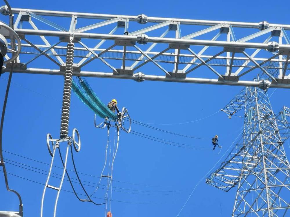 """贵州黔源电力:立足""""三个效益"""" 打造全国首个流域梯级水光互补再生能源基地"""