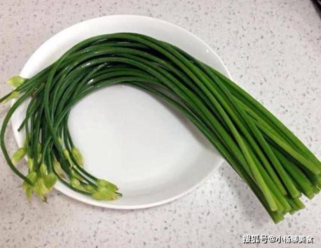 5块钱一斤有点贵,做成饺子比韭菜香,如今正当季,要多吃