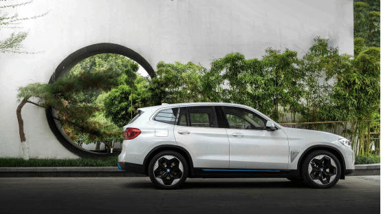 生态可持续 BMW iX3开启全新出行时代_充电