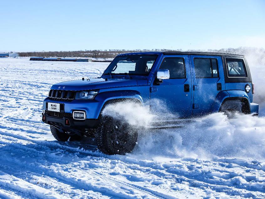 非承载式车身+电控分时四驱 北京BJ40刀锋英雄版于1月15日开启预售