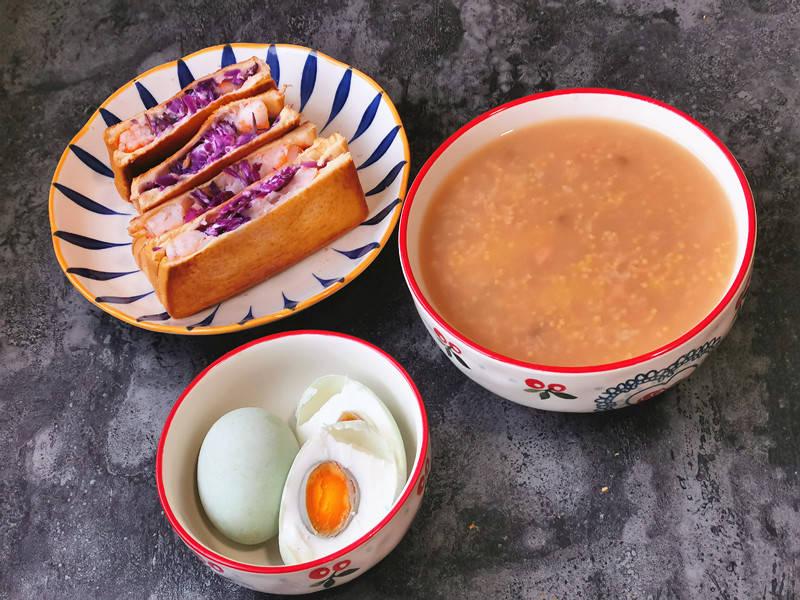 40岁姐姐晒早餐,味道清淡营养足,网友:有质量的生活值得赞扬