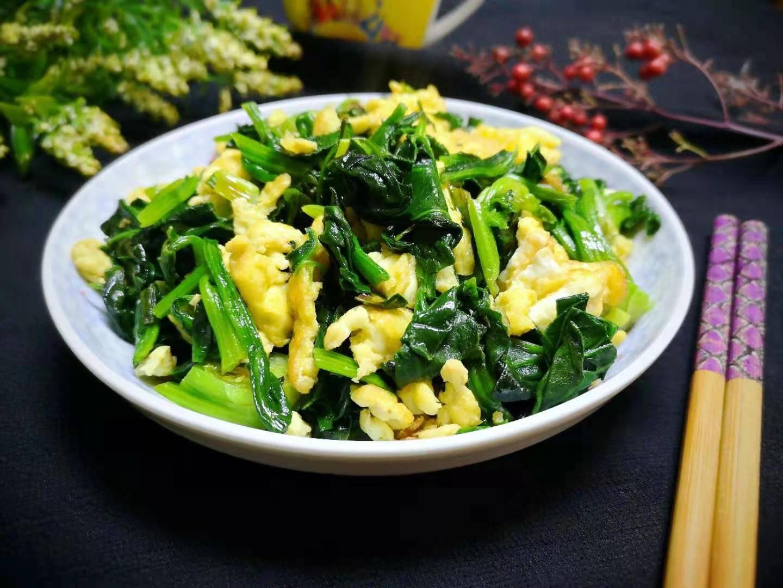 冬季,这菜正鲜嫩,维C含量极高,2元一斤,女生要多吃,对皮肤好