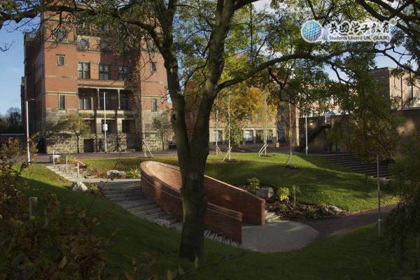 伯明翰大学商学院部分硕士课程恢复常规申请审核方式