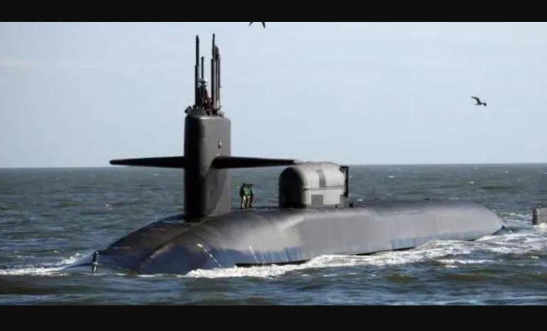 一旦特朗普按下核按钮,可数分钟射千枚核弹,只有两个人能阻止他