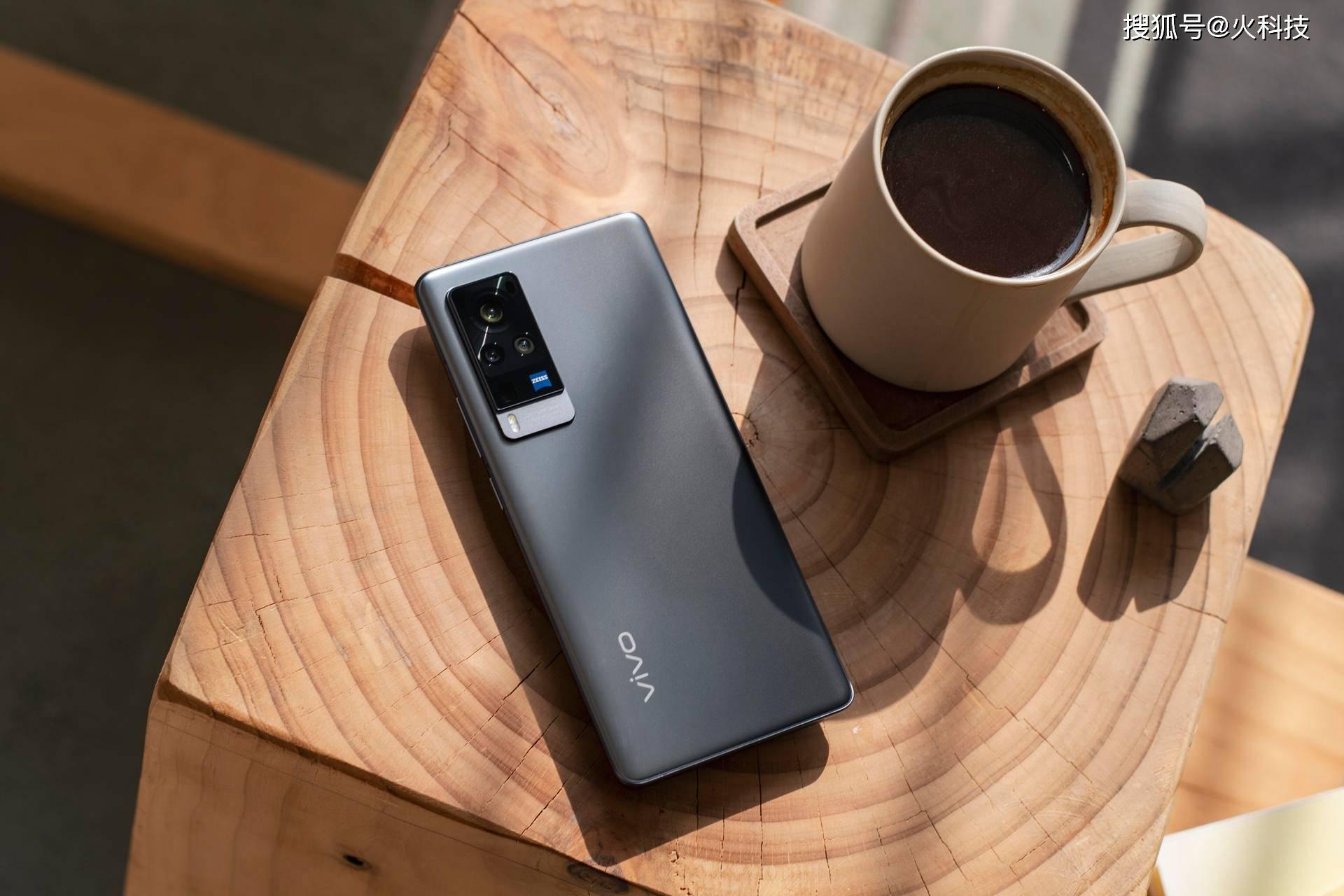 原创             过年要买手机就买国产的,1月份热门4款国产手机哪款是你喜欢的?