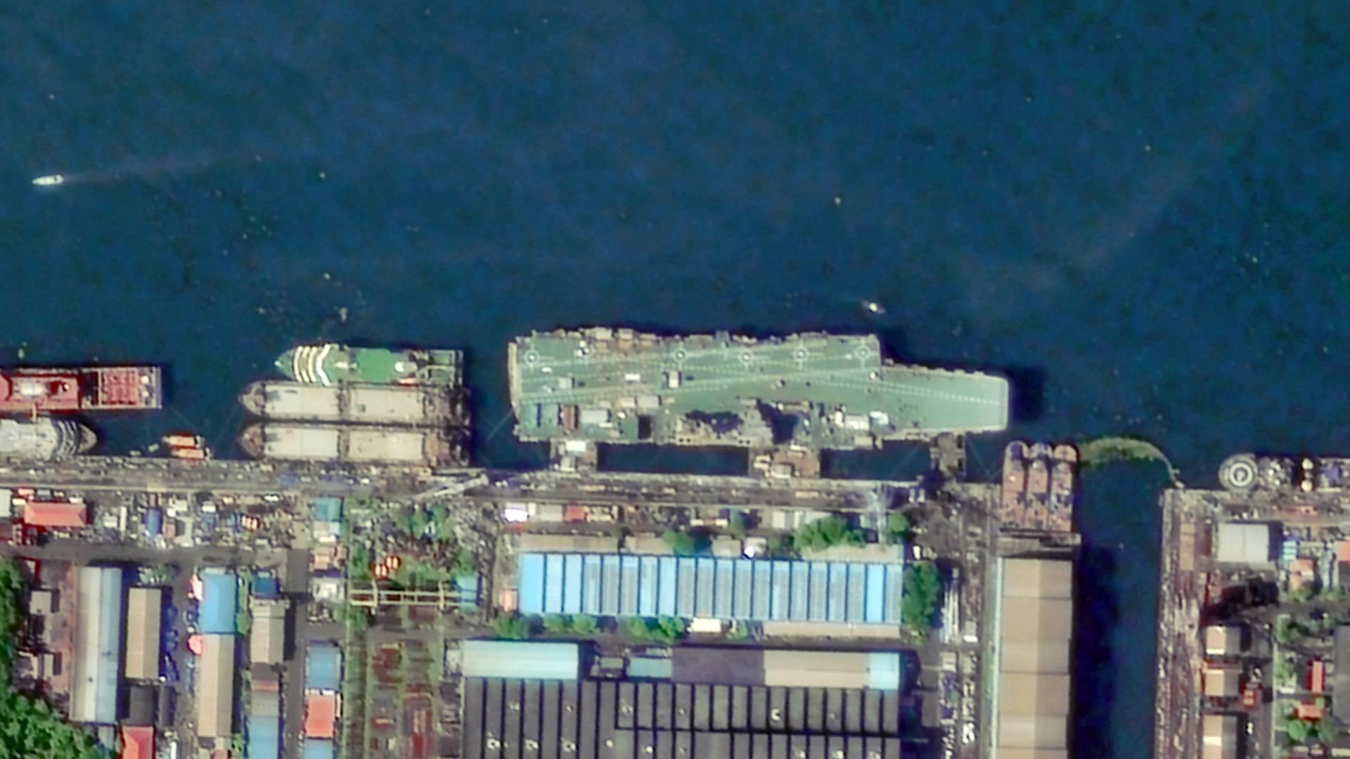 国产航母刷绿漆,第二艘还在纠结:印度老磨唧永远赶不上中国!