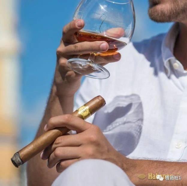 高希霸世纪五号雪茄和那位意大利雪茄友