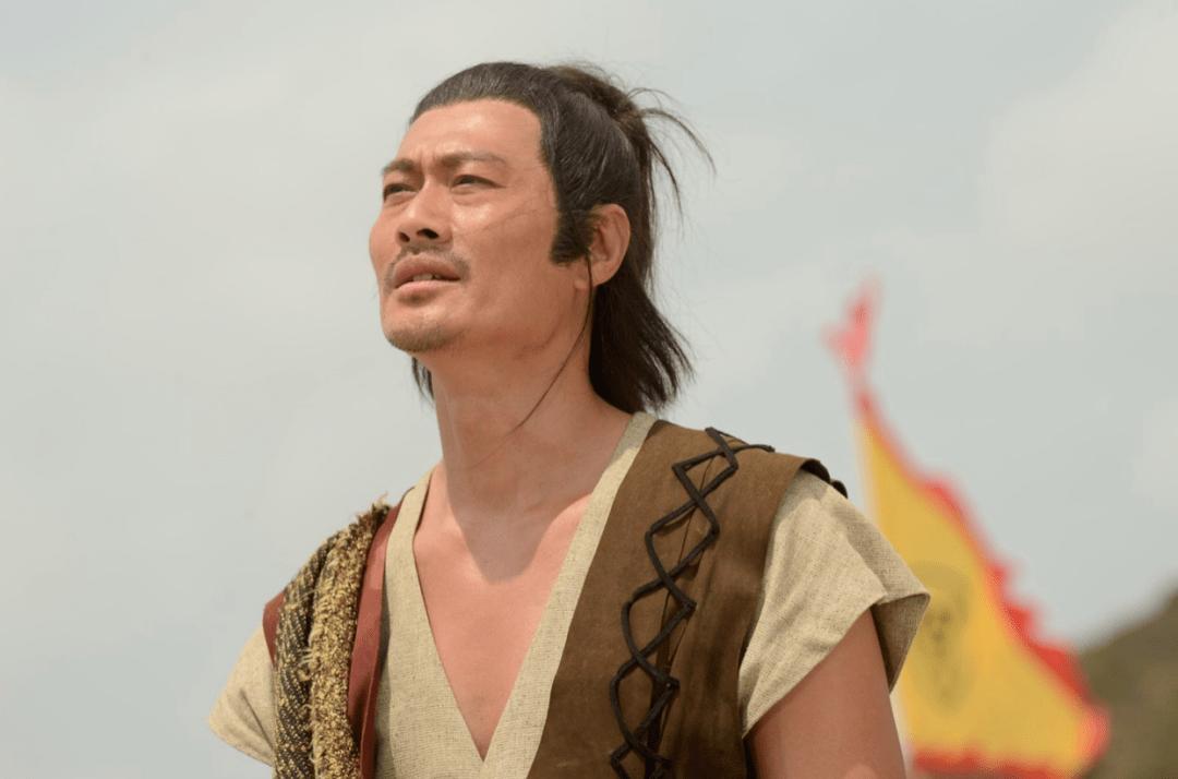 越老越有型!57岁前TVB男星黄德斌重回观众视野,40岁才有代表作  第9张