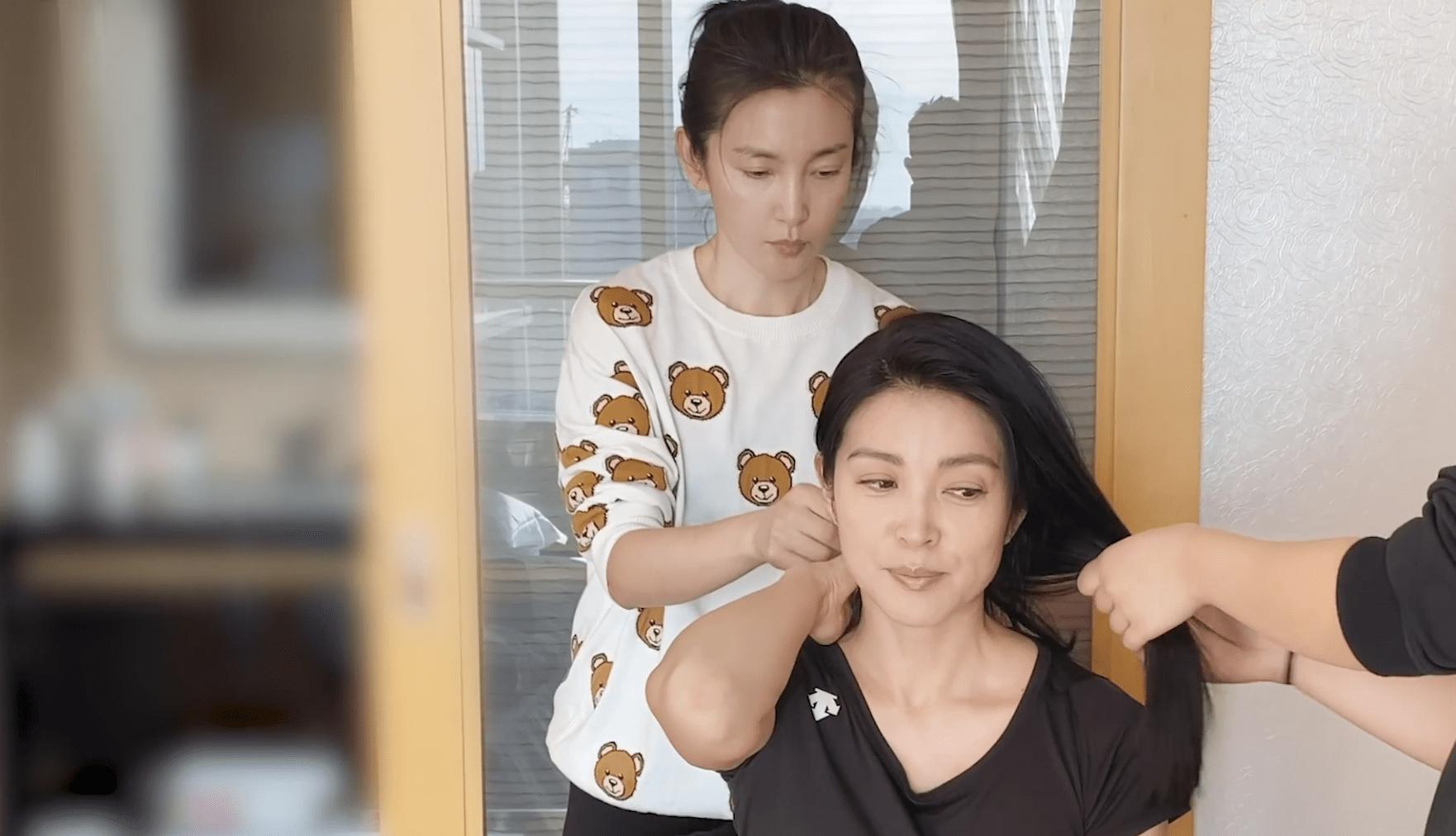原创             李冰冰化身妆发师,为妹妹李雪做造型,业务熟稔成果惊艳