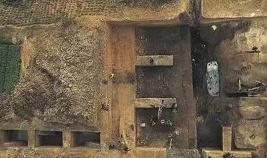 千年古墓的独门武器,保护墓陵文物完整,近百位盗墓者命丧于此