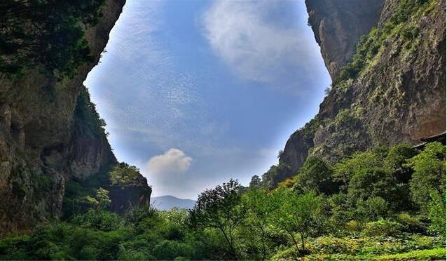 """中国常说的""""三山五岳"""",那具体是指哪""""三山"""",哪""""五岳""""呢"""