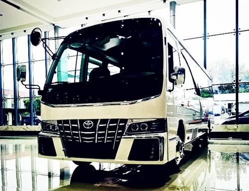 丰田考斯特12座一汽4.0L汽油车多少钱