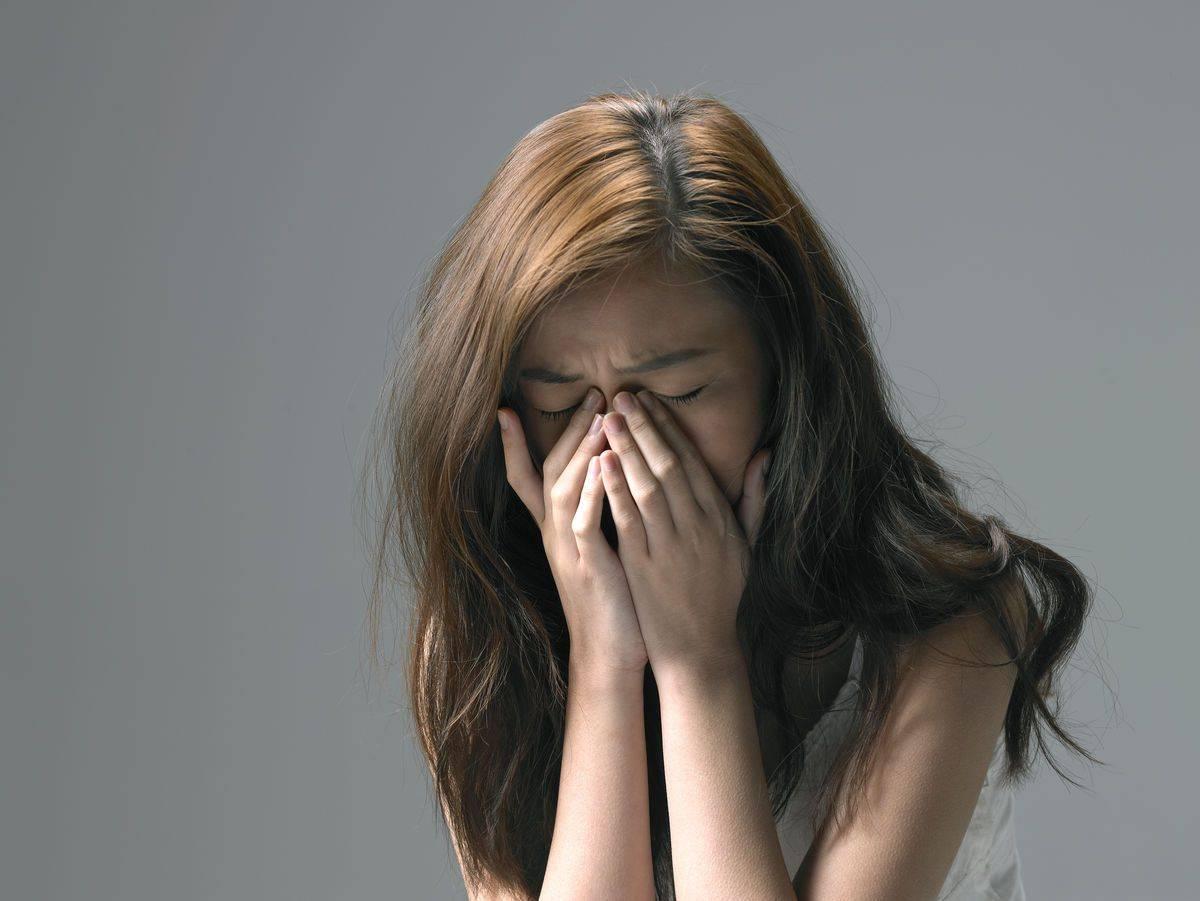 孕妇睡觉频繁有这些症状,别觉得挺正常,这是胎儿在发暗示信号