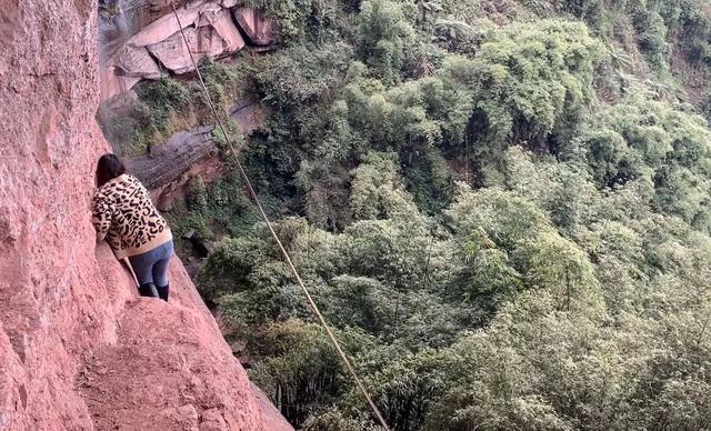 23岁网红塔吊女司机坠亡