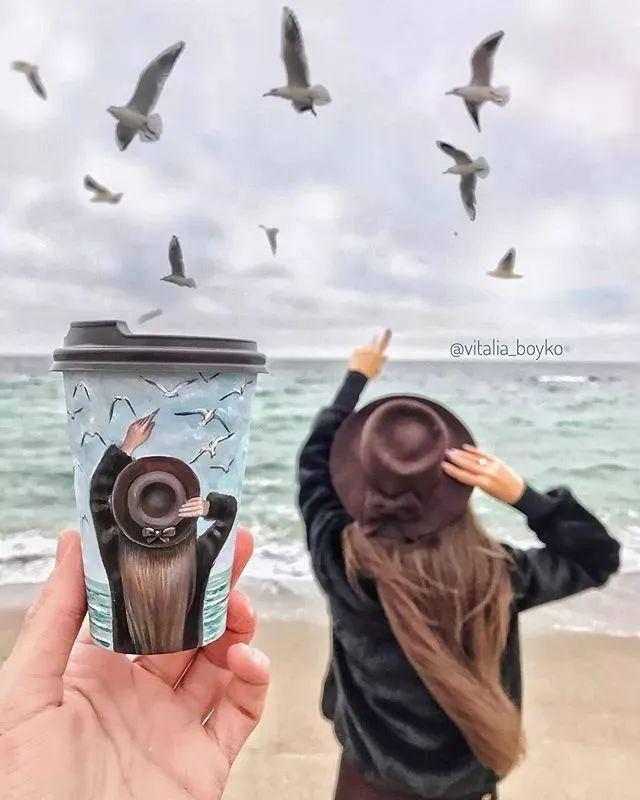 绘画大触也太会玩了 美女小姐姐在咖啡杯上画画,吸粉百万,诀窍竟是
