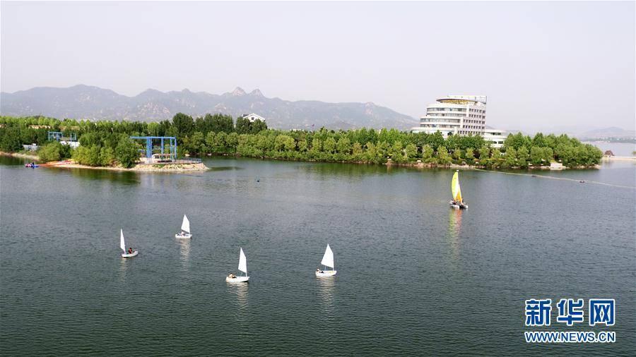 全民健身:济南青少年湖面扬帆