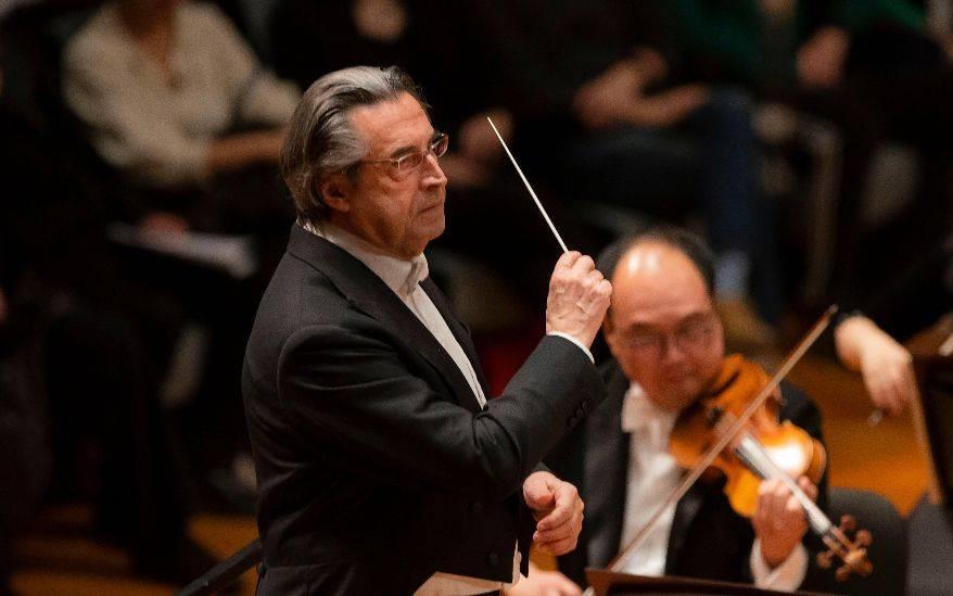 穆蒂亮相拉文纳音乐节,意大利将迎疫后首场古典音乐演出_中欧新闻_欧洲中文网