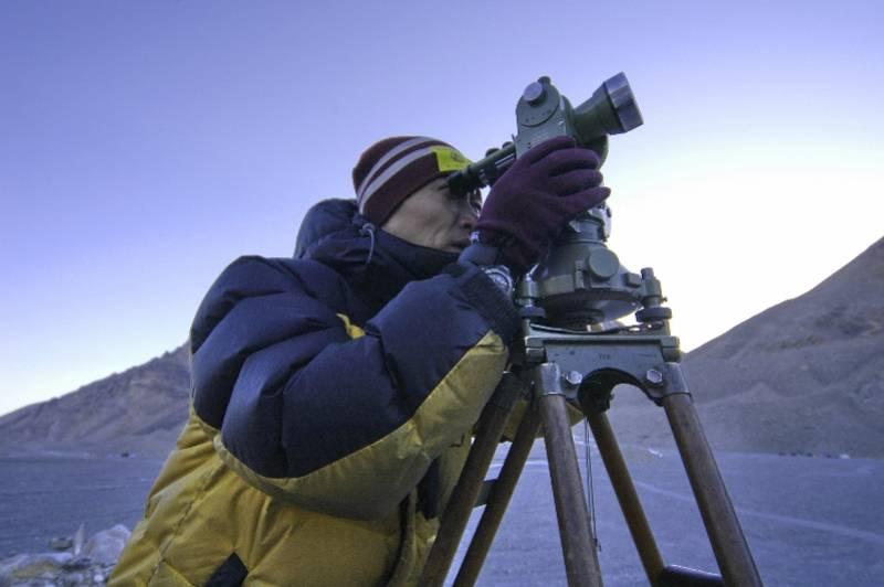 老队员忆15年前珠峰复测:大雾一度遮挡觇标,队友曾迷失冰塔林
