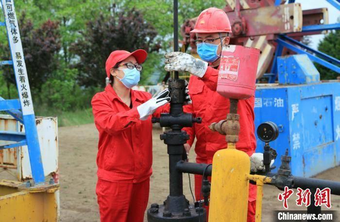 皇后成长计划2.0长庆油田巾帼青工成长路