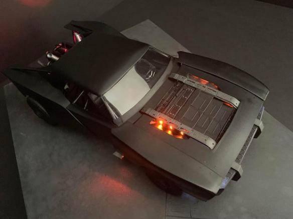 """太酷了!新《蝙蝠侠》中的新""""蝙蝠车""""概念图曝光"""