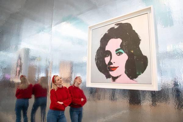 英国大型美术馆相继复工