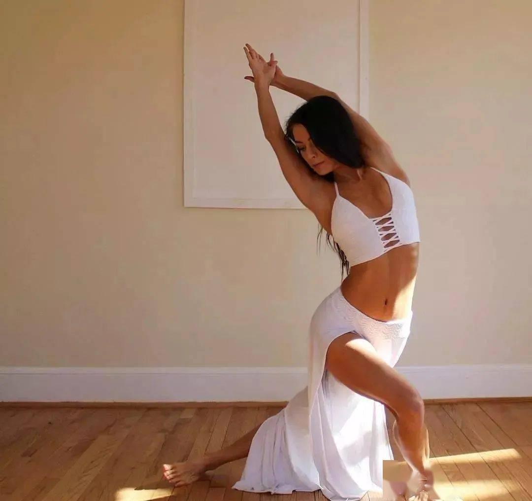 瑜伽不要浅尝而止,你的坚持终不会被辜负...