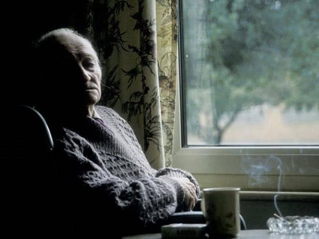 英媒:英国多名新冠病毒感染者死在家中,被发现时已腐烂