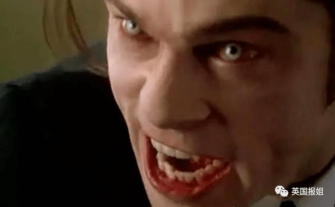 外国真人秀复刻恐怖片!教你在丧尸吸血鬼杀人狂手下逃生!