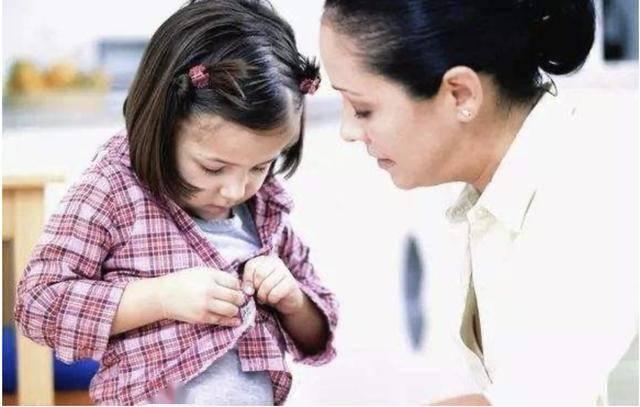 孩子的4种旧衣服不能乱送人,送人不是助人可能会害了别人