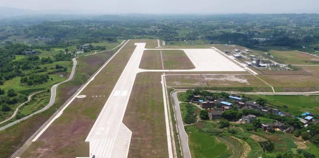 """重庆首座拥有""""国际身份证""""的通用机场"""