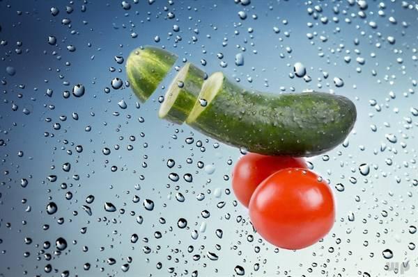 西红柿虽然很好吃,但是患有肠胃炎的人尽量少吃!否则会加重! 增肌食谱 第1张