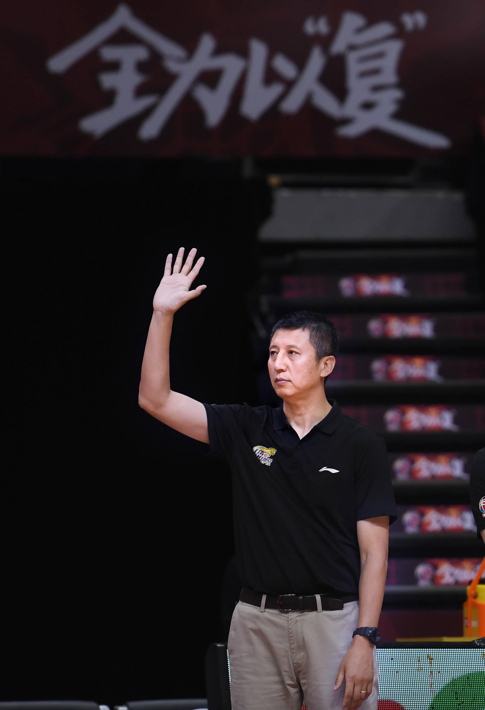 篮球——辽篮冠军教头郭士强下课 功勋后卫杨鸣火线接棒