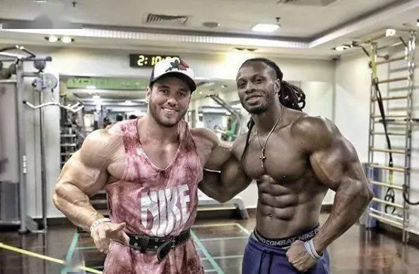 55cm臂围的肌肉硬汉,看了他的奶爸日常,我都想生娃了 初级健身 第8张