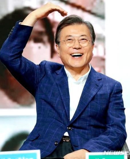 文在寅喊话韩国民众:买买买!消费就是爱国
