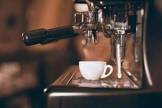 咖啡奶泡打发小技巧,你的咖啡拉花再也不会塌陷了! 试用和测评 第3张
