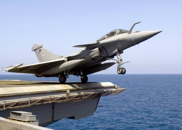 中国新一代舰载战斗机会是什么样?