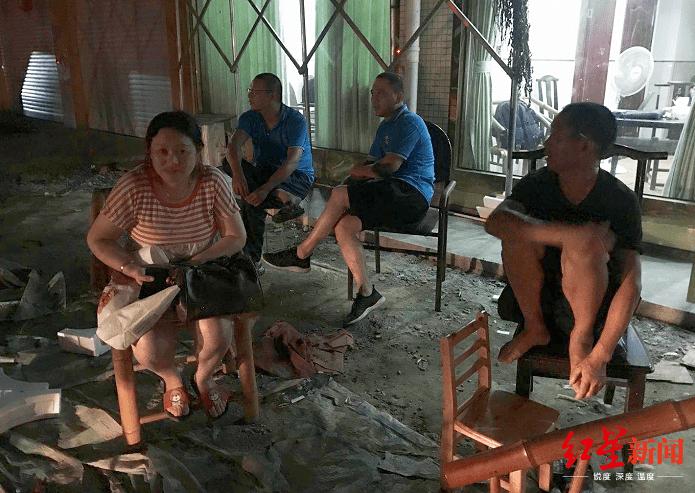 广汉鞭炮厂爆炸后6小时:村民门窗震碎不敢睡,疏散七千多人
